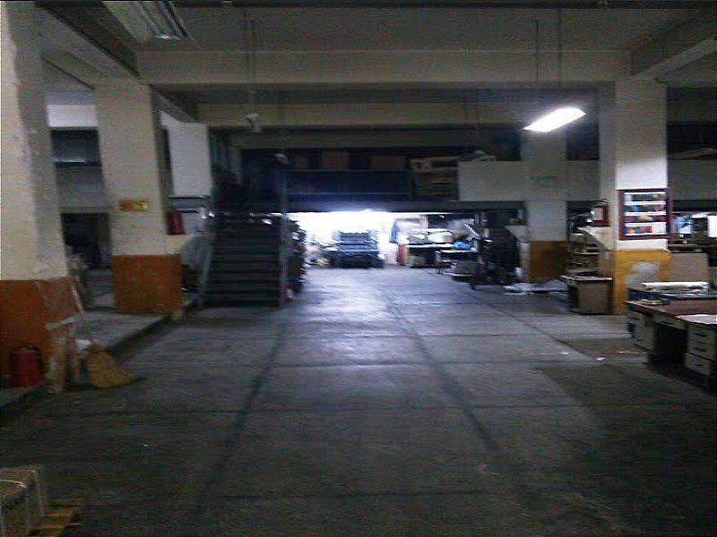 Konak Çınarlı Mevkii'nde 3 katlı 780 m2  Kapalı Alanlı Kayısı Üzüm işletmesi