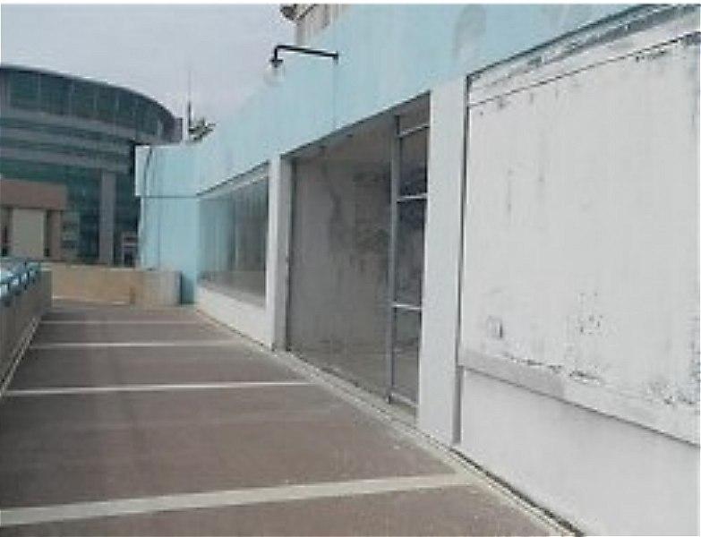 Mersin Akdeniz Bankadan Satılık 306 m2 Dükkan