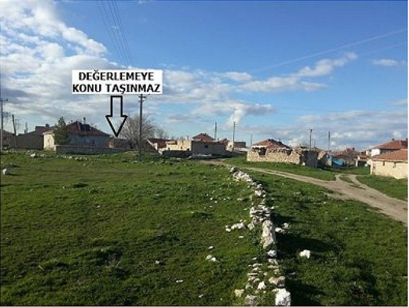Nevşehir Kozaklı İlçesi'nde Kargir Ev ve Avlusu