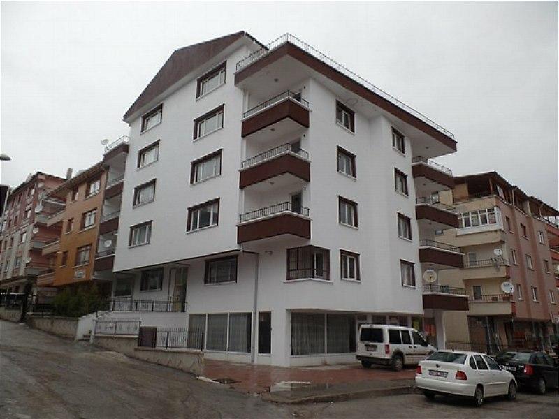 Ankara Etimesgut'ta Komple Yenilenmiş Binada Çatı Aralı 5+1 Mesken