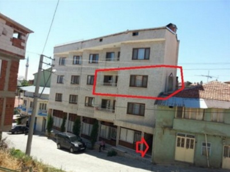 Uşak Karahallı'da 100 m2 3+1 Daire