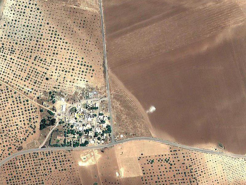 Karkamış Akçaköy'de Avlulu Kargir Ev