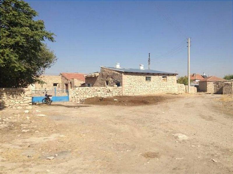 Nevşehir Kozaklı Bankadan Satılık 313 m2 Bina