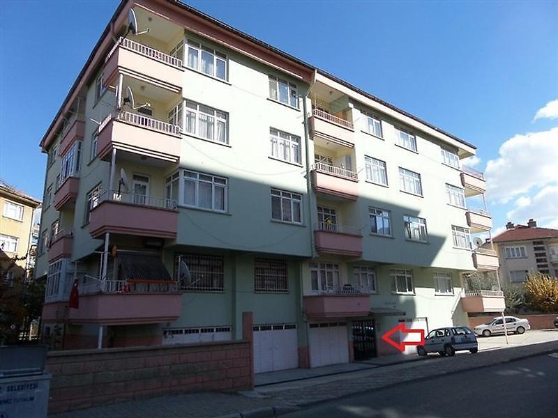 Konya Akşehir Altunkalem Mahallesi'nde 18 m2 Garaj