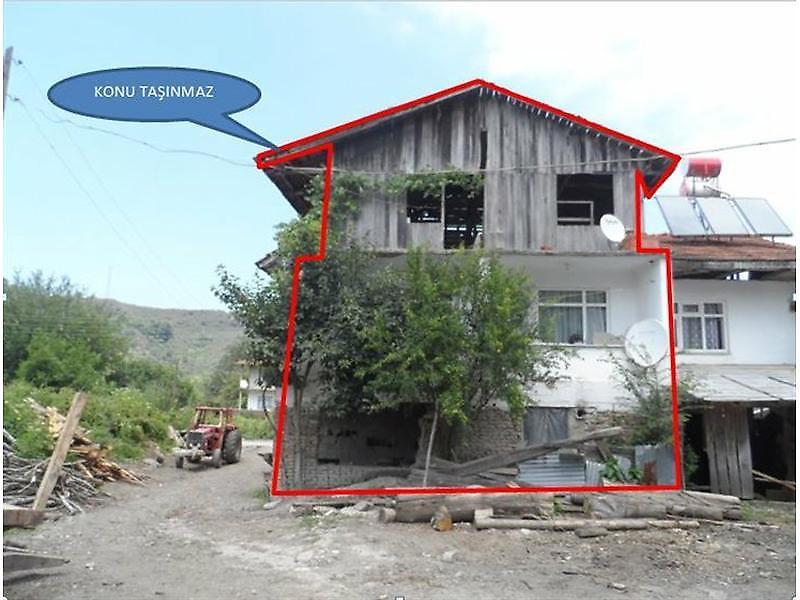 Düzce Akçakoca'da Müstakil Ev 2+1 212 m2