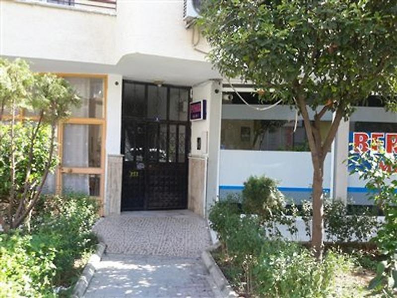 Mersin Akdeniz Bankadan Satılık 63 m2 Dükkan