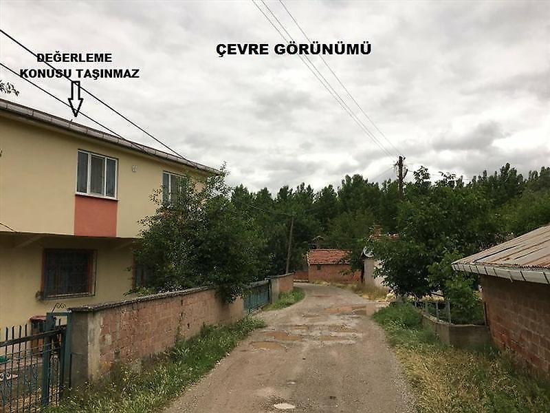 Tokat Niksar Haydarbey Köyü'nde 6+2 Müstakil Ev 235 m2