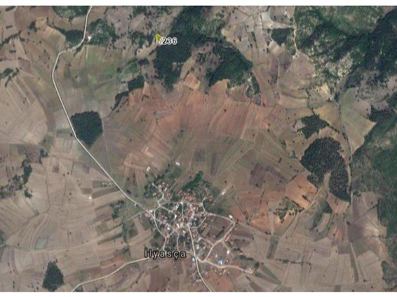Bilecik Merkez İlyasça'da 11563 m2 Tarla