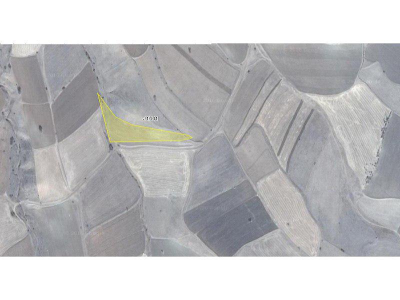 Gümüşhane Köse Akbaba Köyü'nde 6700 m2 Tarla