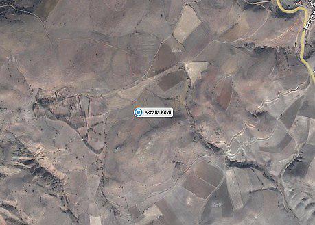 Gümüşhane Köse Akbaba Köyü'nde 13450 m2 Tarla