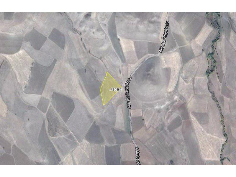Gümüşhane Köse Akbaba Köyü'nde 12.350 m2 Tarla