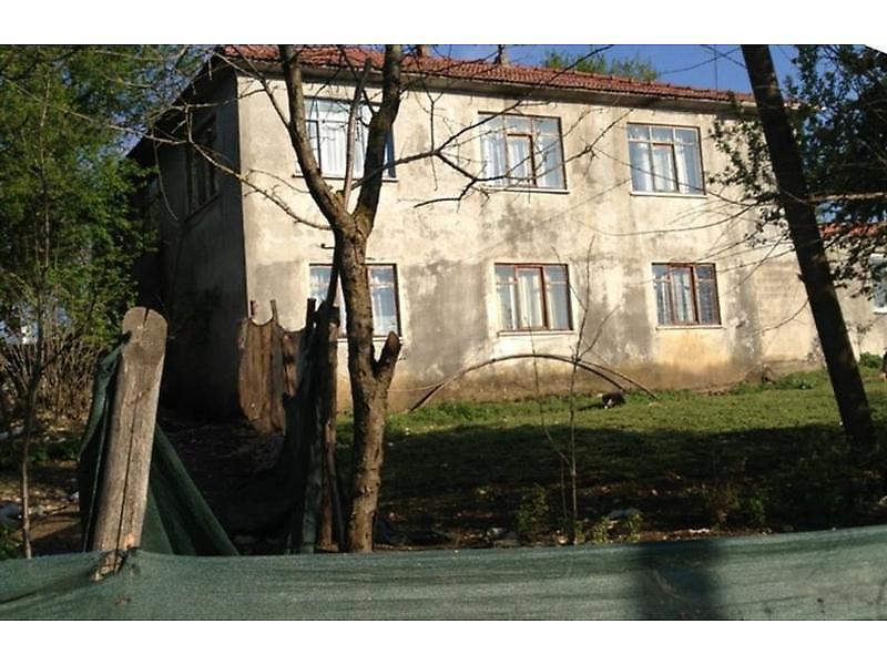 Sakarya Kocaali'de 1720 m2 Bahçeli Kargir Ev