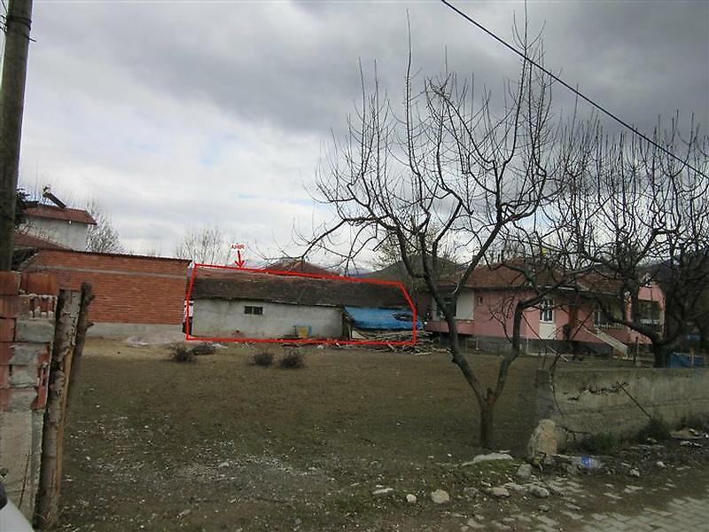 Tokat Pazar Tatar'da Ev, 2 Ahır ve Bahçe