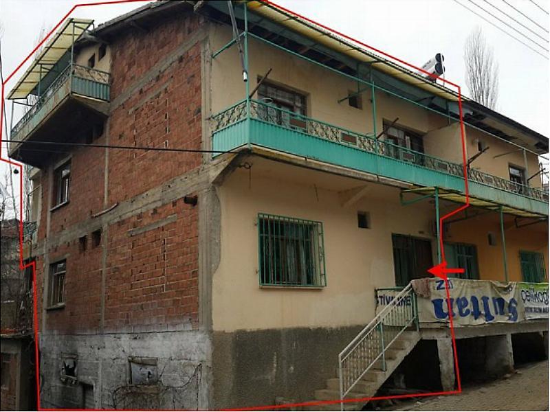 Manisa Demirci Aşağı Mahalle'de 240 m2 Müstakil Ev