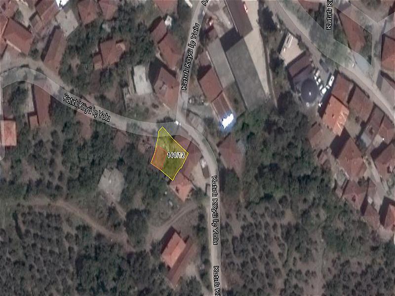 Bursa Gemlik Katırlı'da Kerpiç Ev ve Avlusu