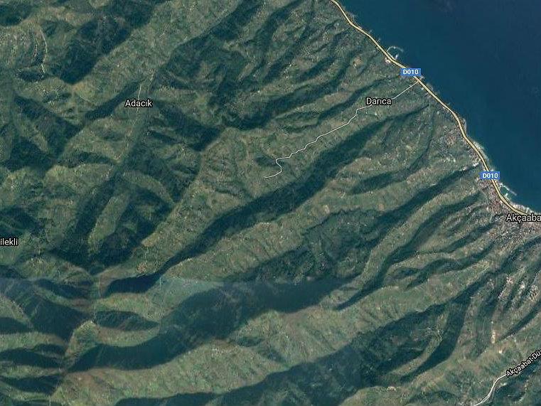 Trabzon Akçaabat'ta Kavaklı 4755m2 Tarla