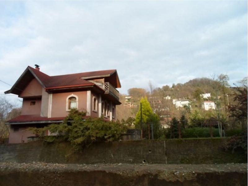 Artvin Yukarı Hacılar Köyü'nde 170 m2 Villa