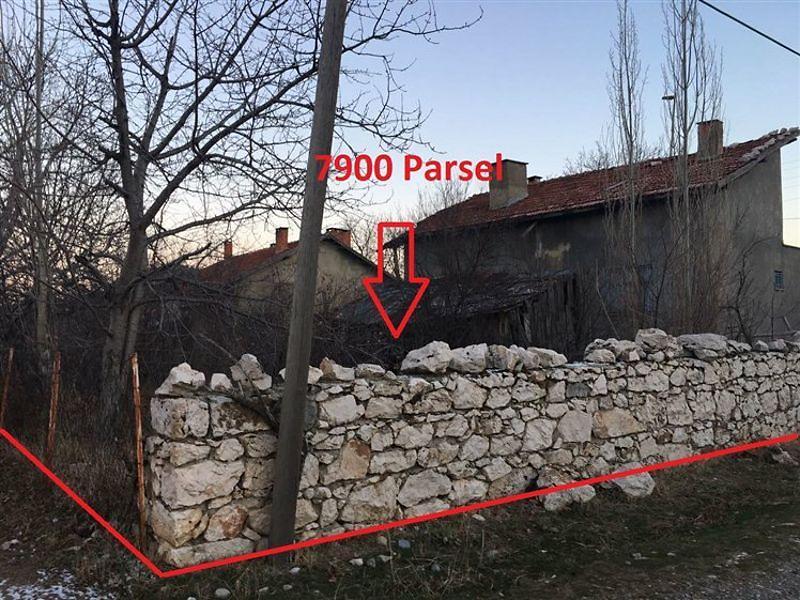 Konya Beyşehir'de 1200 m2 Bahçe ve Kargir Ev