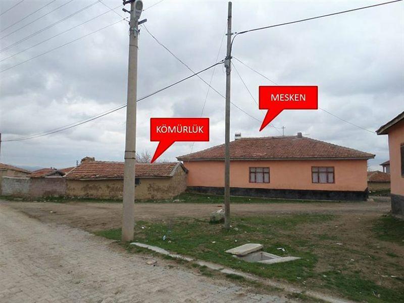 Ankara Şereflikoçhisar Akarca'da 431 m2 Ev Ahır ve Arsa