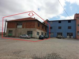 Uşak Karahallı Şirketten Satılık 446 m2 Bina