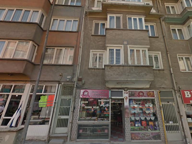 Kütahya Hürriyet Caddesi'nde 62 m2 Dükkan