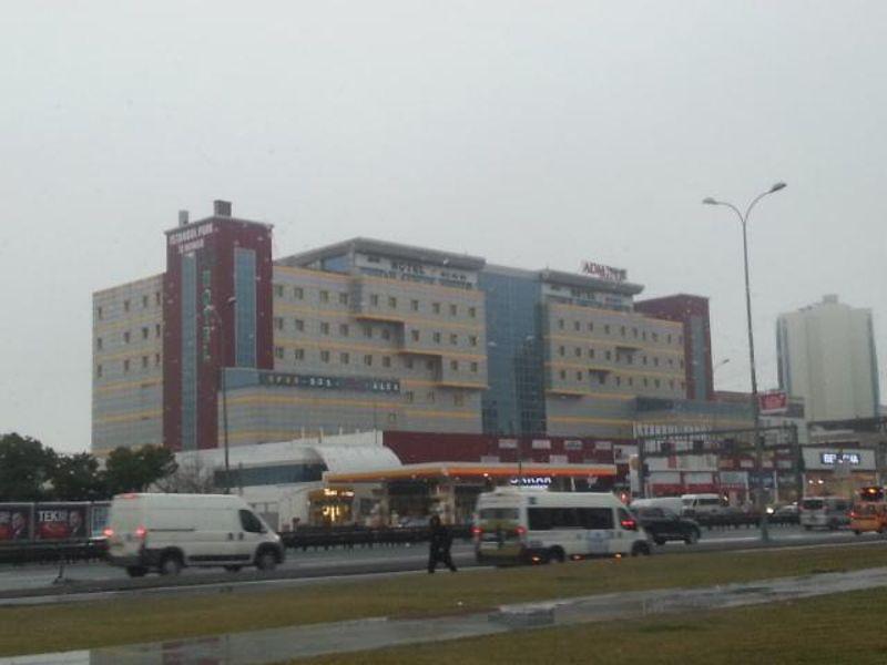 İstanbul Büyükçekmece Outlet Park AVM'de 94 m2 İşyeri