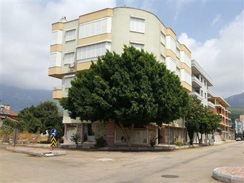 Antalya Mavikent'de 1249 m2 müstakil bina
