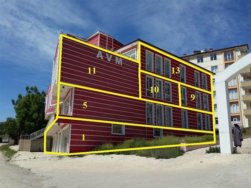 Amasya Taşova Bankadan Satılık 1386 m2 Ofis