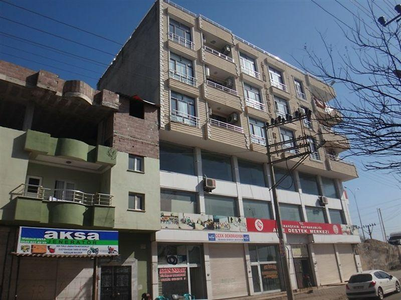 Şanlıurfa Cumhuriyet Mahallesinde 138m2 Daire