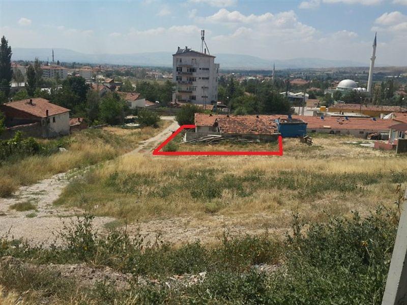 Amasya Suluova'da Ahşap Ev ve İmarlı Arsa
