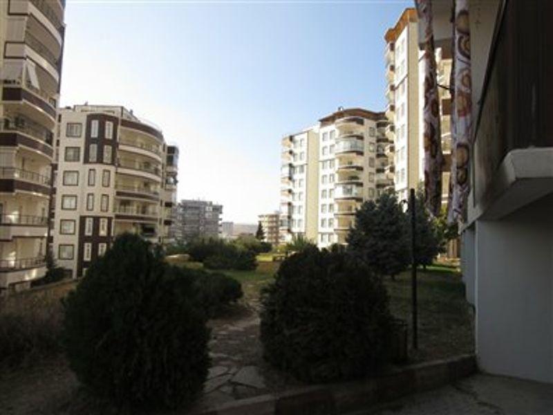 Şanlıurfa Karaköprü Akbayır Mahallesi'nde 6+1 Çatı Aralı Daire