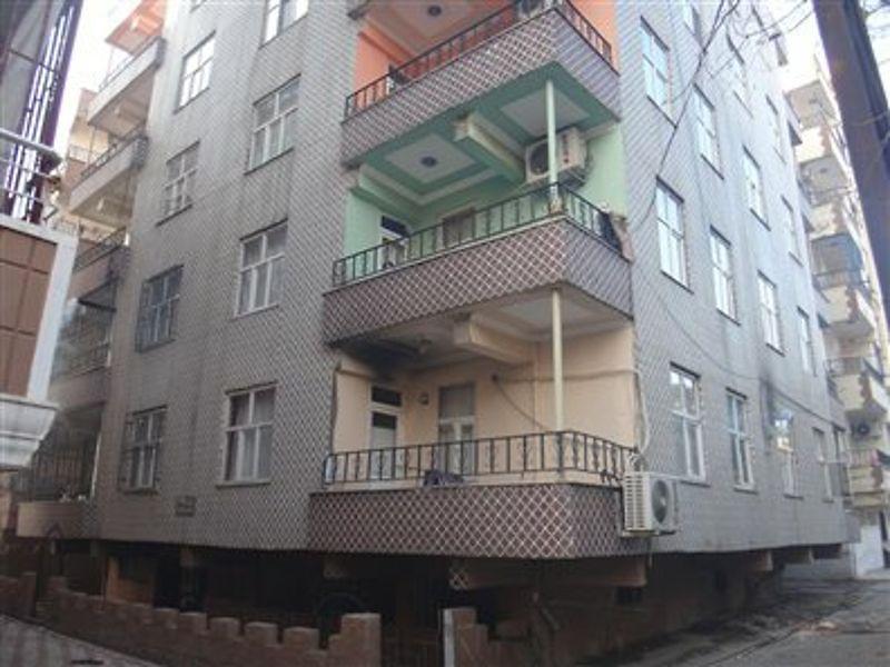 Şanlıurfa Viranşehir Yenişehir'de  3+1 Daire 105 m2