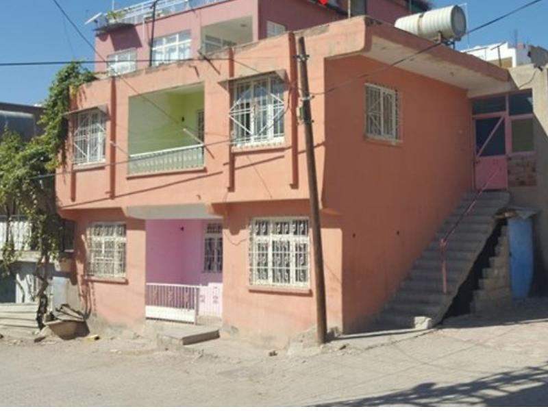 Diyarbakır Ergani'de Kargir Ev ve Arsa