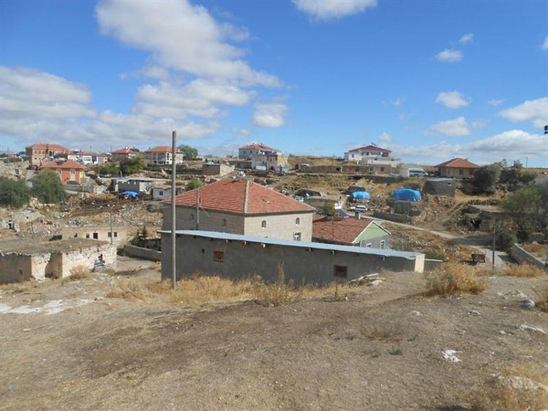 Kayseri Pınarbaşı'nda İki Adet Kerpiç Ev