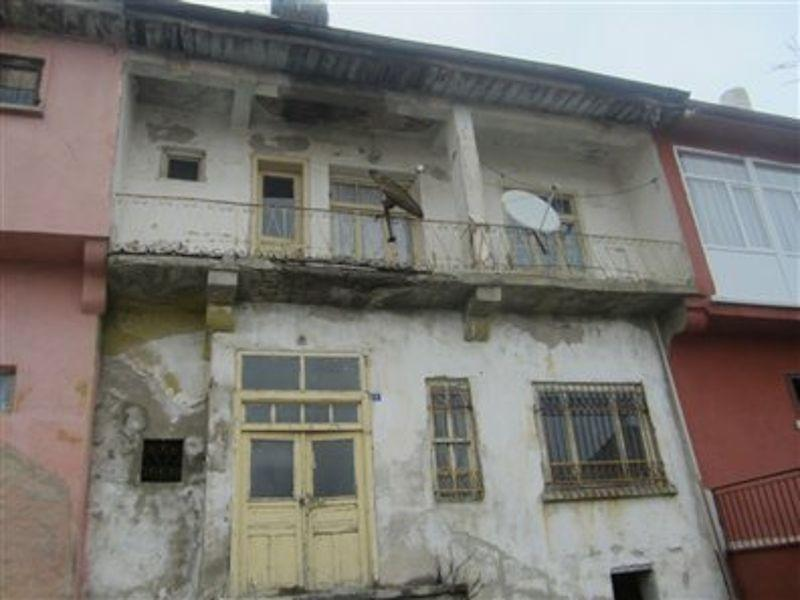Konya Yunak Bankadan Satılık 186 m2 Bina