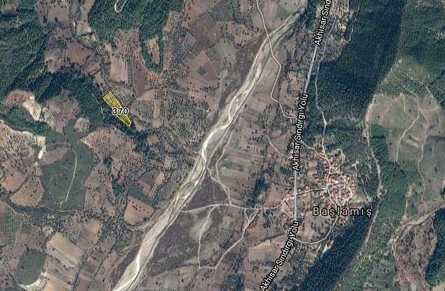Manisa Akhisar'da 7.867 m2 Tarla