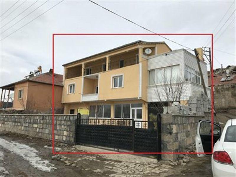 Kayseri Tomarza Bankadan Satılık 395 m2 Bina