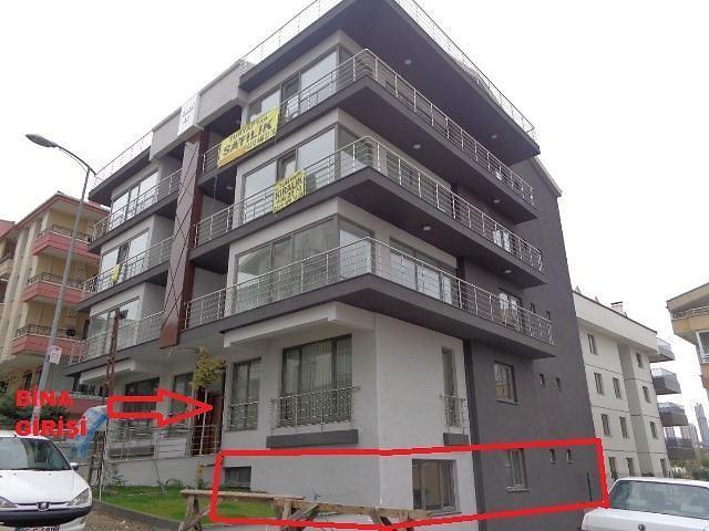 Yukarı Dikmen Mahallesi'nde 90 m2 Bahçe Kullanımlı 2+1