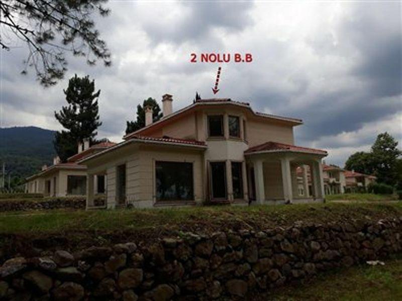 Sakarya Sapanca Yanık Mahallesinde 4+1 230m2 Villa