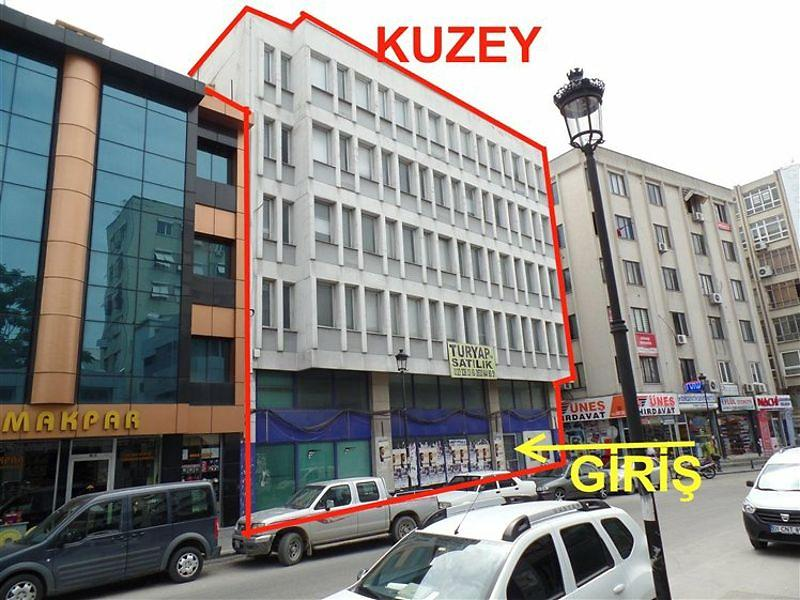 Adana Seyhan Karasoku'da 4 Katlı Komple Bina