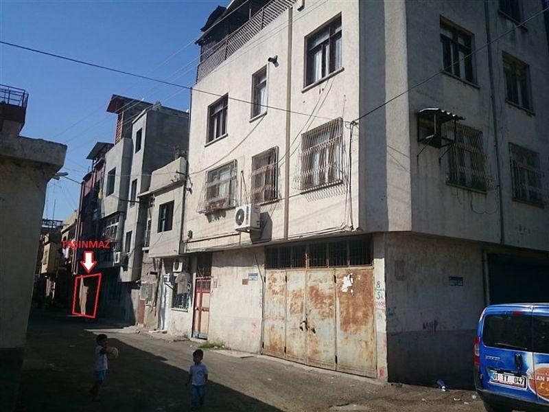Adana Seyhan Mestanzade'de 50m2 Garaj Kullanımlı Depo