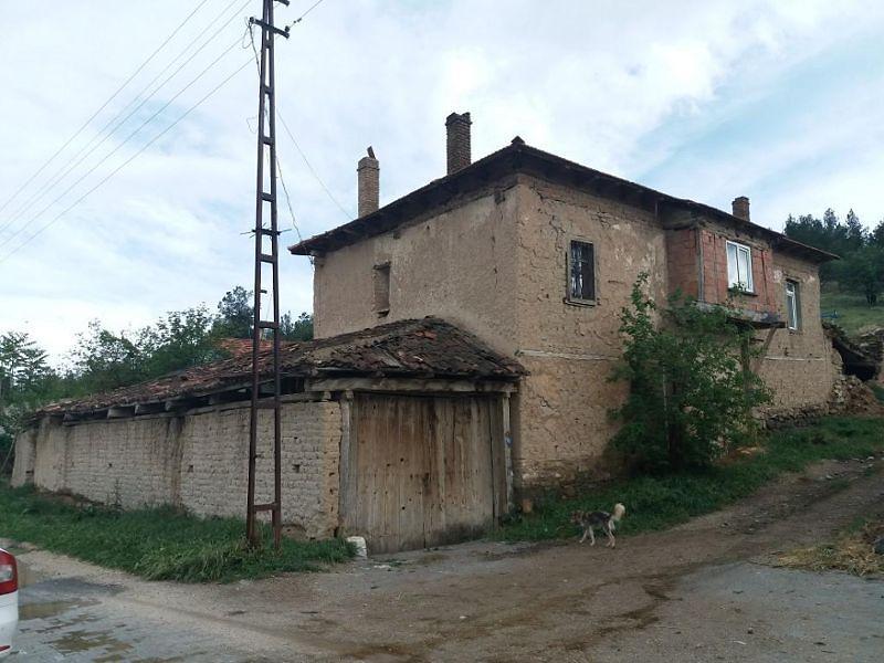 Afyonkarahisar Dazkırı Yukarı Yenice Köyünde Müstakil Ev