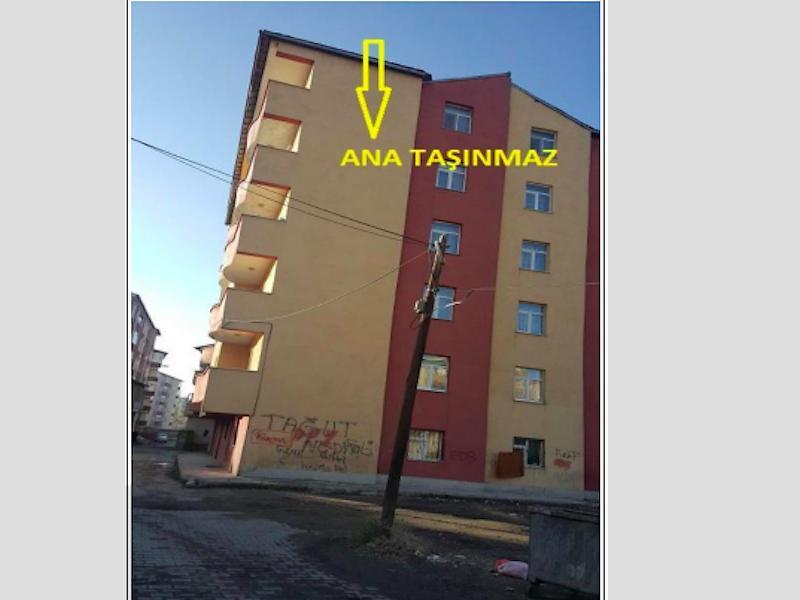 Ağrı Merkez Bankadan Satılık 1920 m2 Bina