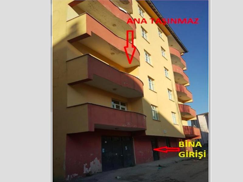 Ağrı Merkez Yavuz Mahallesi'nde 1920 m2 Komple Bina