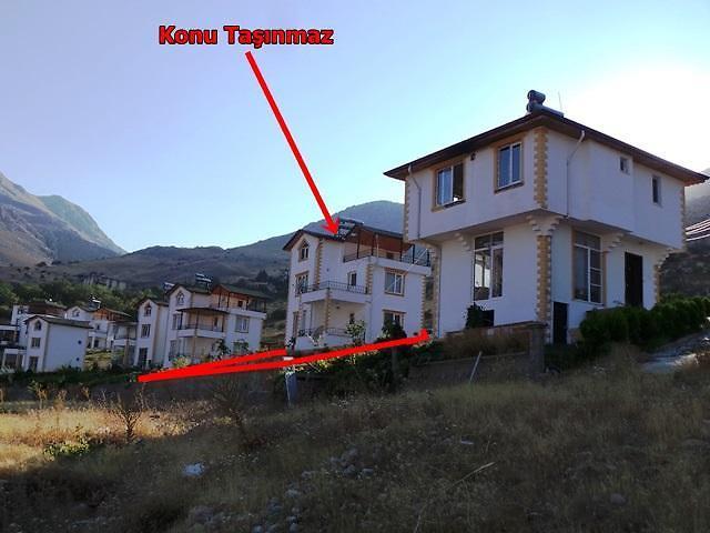 Kahramanmaraş Elbistan Kızılcaoba Mahallesinde 165 m2 Villa