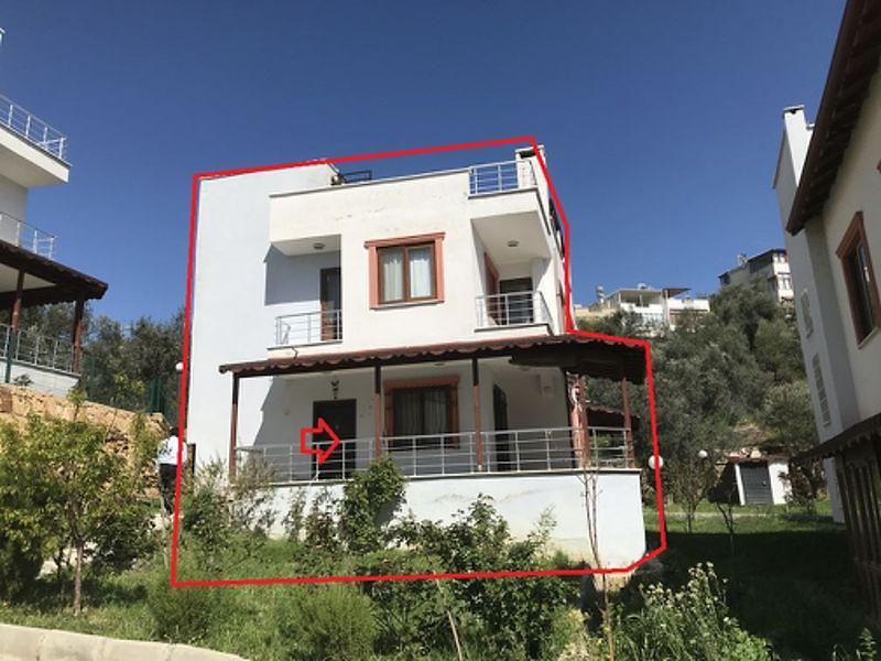 Balıkesir Burhaniye Pelitköy Mahallesi'nde 3+1 183 m2 Villa