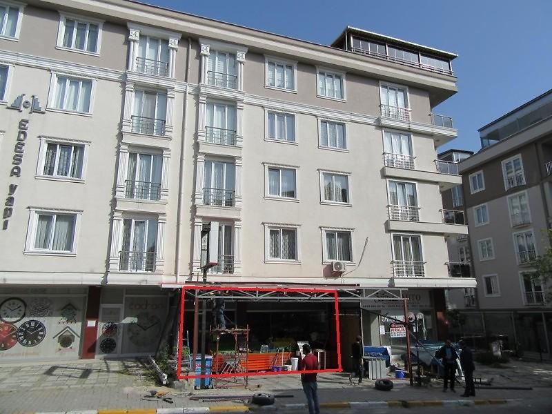 Beylikdüzü Kazım Karabekir Caddesi'nde 86 m2 Yatırıma Uygun Dükkan