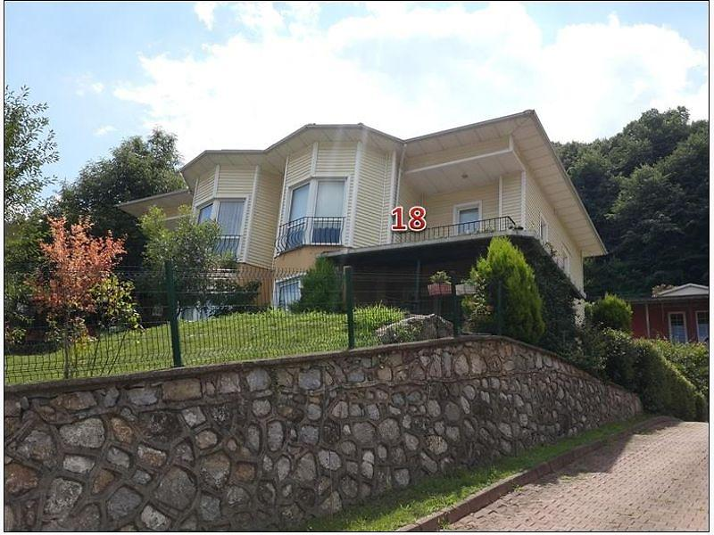 Sakarya Sapanca Kırkpınar Koru Sitesinde Dubleks Villa