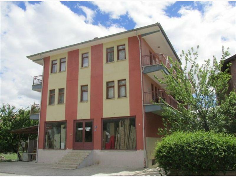 Ankara Çubuk Fatih Mahallesinde 3+1 121 m2 Daire