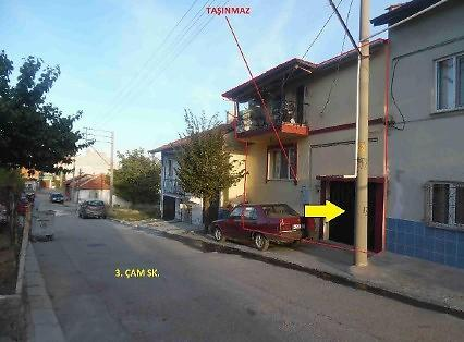 Uşak Merkez Mehmet Akif Ersoy Mahallesinde 3 Katlı Bina